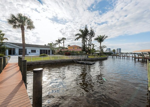 640 Randy Lane Fort Myers-large-017-14-Boat dock board walk-1499x1000-72dpi