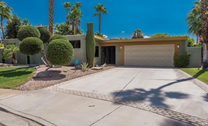 582 N Tercero Cir, Palm Springs