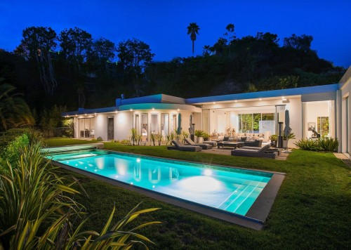 1083 Hillcrest Rd., Beverly Hills, CA