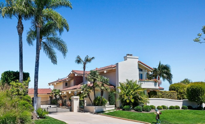 1 Club View Ln Rolling Hills-large-005-056-Exterior  Front-1500x1000-72dpi